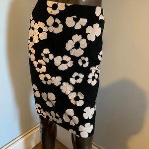 LOFT Black and Cream Floral Skirt Sz 0
